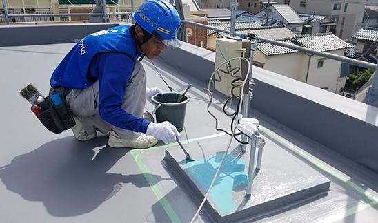 構造体の腐食・劣化を防ぐには、早期の防水工事が重要なんです!